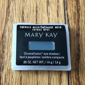 Mary Kay Makeup - Mary Kay Chroma Fusion Eye Shadow - Emerald Noir
